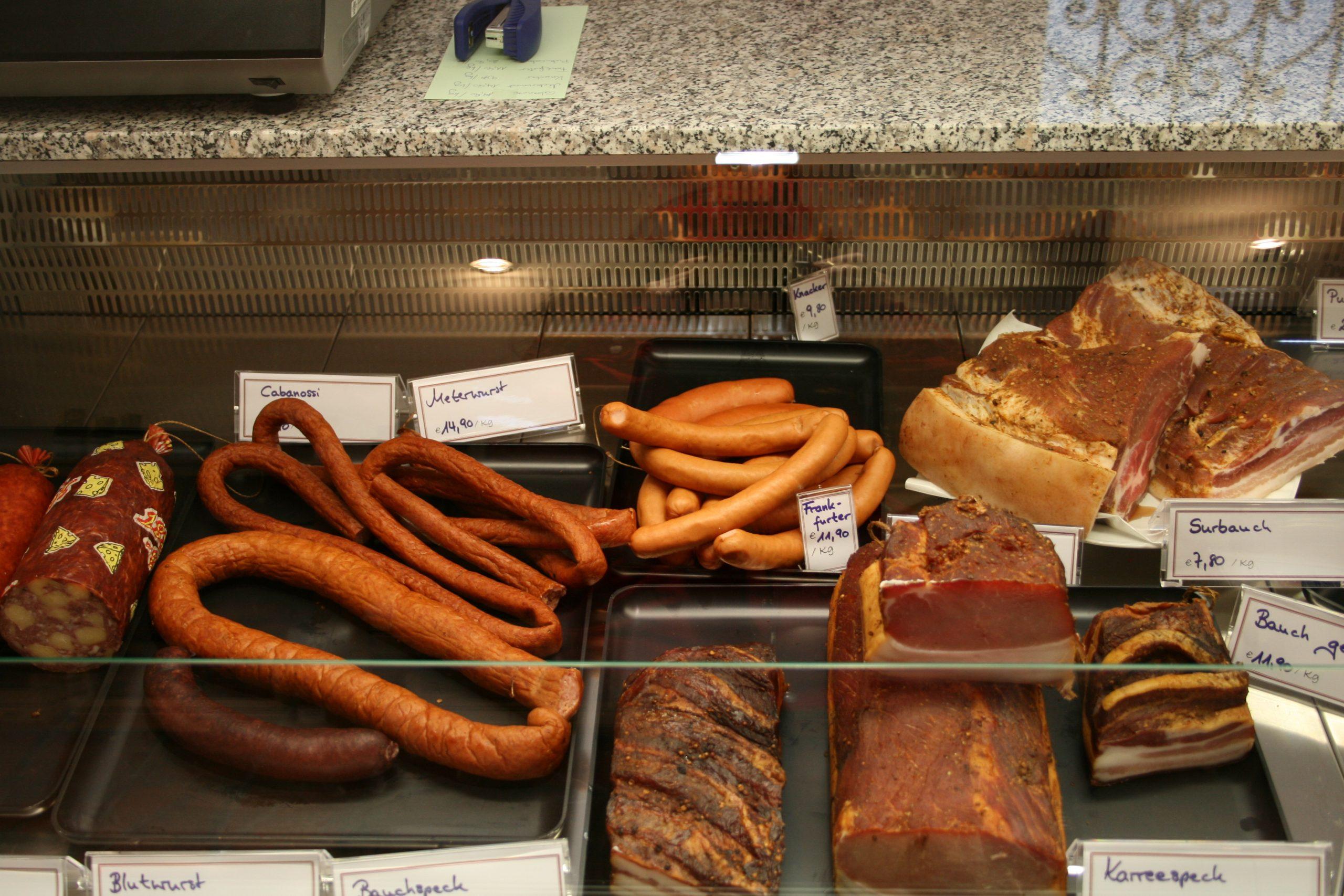 Verschiedene Fleisch Spezialitäten